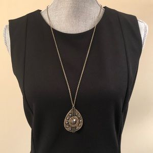 Jewelry - Antique gold boho necklace